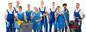 Personnel de l'entreprise de nettoyage à Gacé